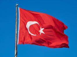 helligdag tyrkiet, koncert i alanya, tyrkisk flag